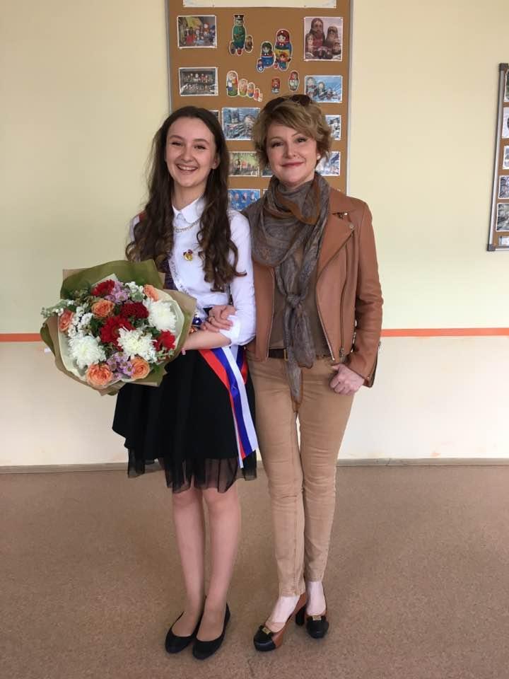 Даша Есипенко с мамой - Мариной Есипенко