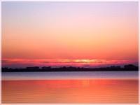 """""""Ну что Вы можете сказать ещё, когда такой над озером закат..."""""""