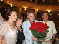 С супругой Мариной Есипенко и Давидом Тумановым