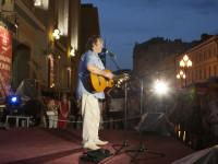 У Театра Евг. Вахтангова, 28 июня 2013 г
