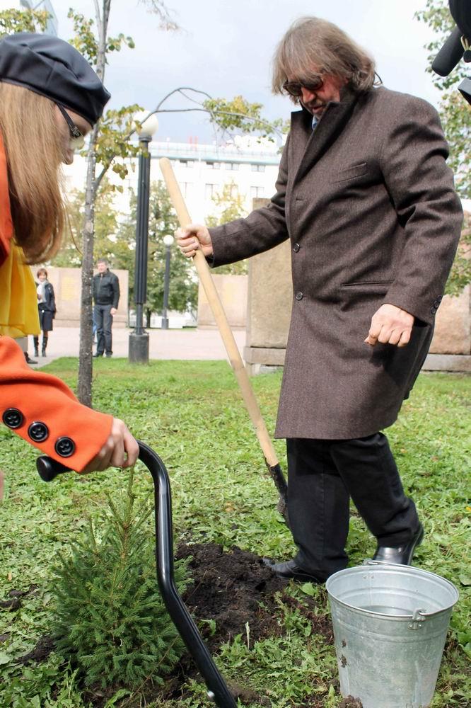 """Акция """"277 тысяч новых деревьев к..."""