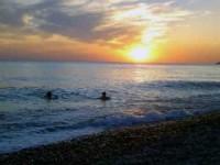«Мы купались в синем море…»